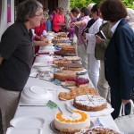 Großer Andrang am Büffet: 28 Kuchen wurden in kürzester Zeit für den guten Zweck verkauft.